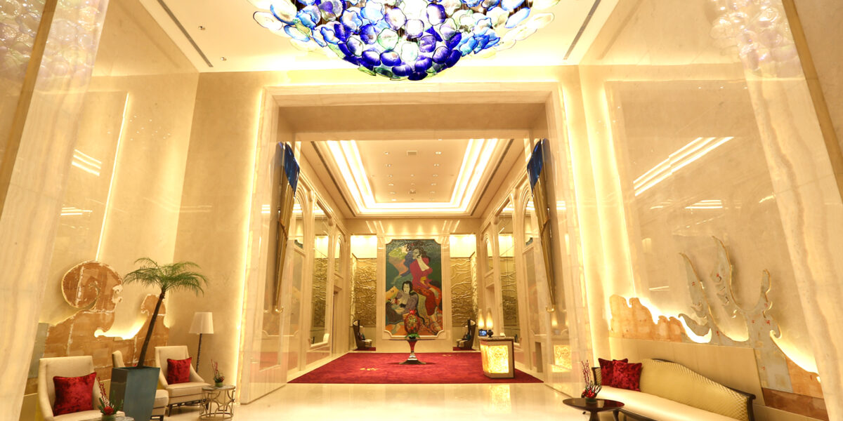 Kemewahan Hotel Raffles Yang Memukau