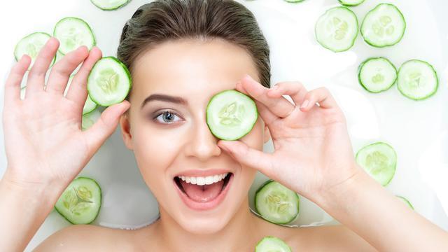 Beberapa manfaat timun bagi kulit wajah